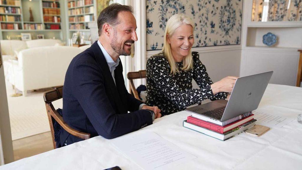 Al igual que hicieron Haakon y Mette-Marit de Noruega.