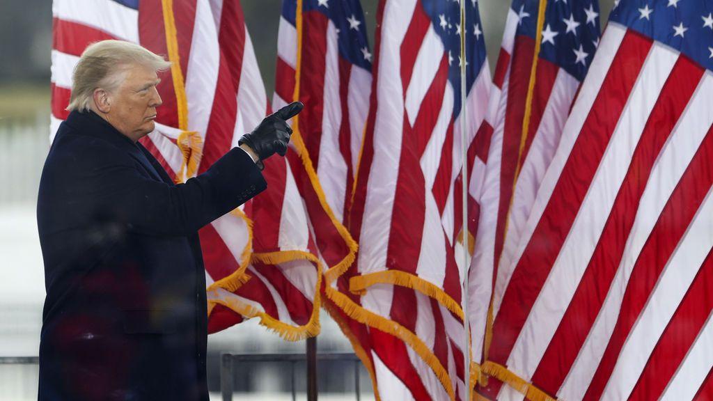 El futuro de Donald Trump: el presidente considera otorgarse un perdón