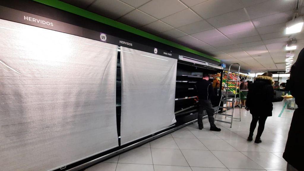 """Madrid pide """"no hacer acopio innecesario de alimentos"""" ante el colapso por las nevadas"""