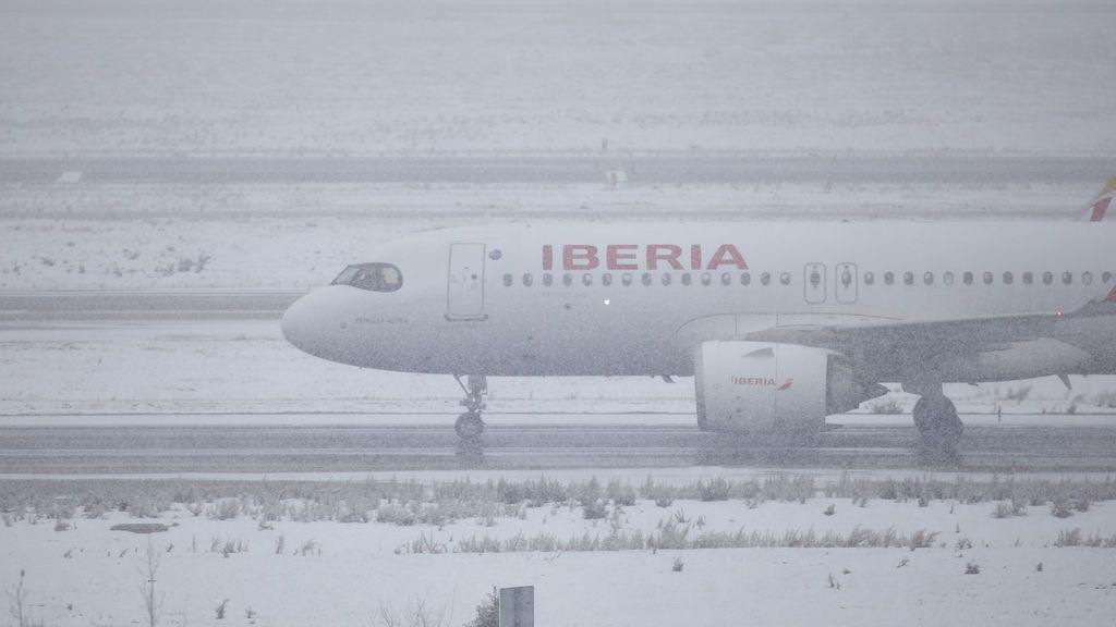 Iberia cancela todos sus vuelos desde Barajas hasta mañana a las 23.00 horas
