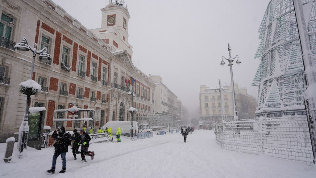 La UME rescata a conductores atrapados en carreteras de Madrid