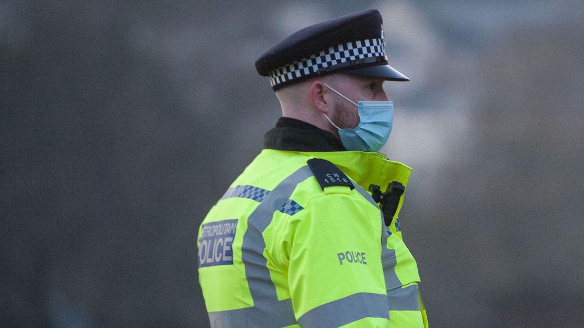 Una pandilla de adolescentes viola en grupo a una niña de 12 años en un parque de Lancashire