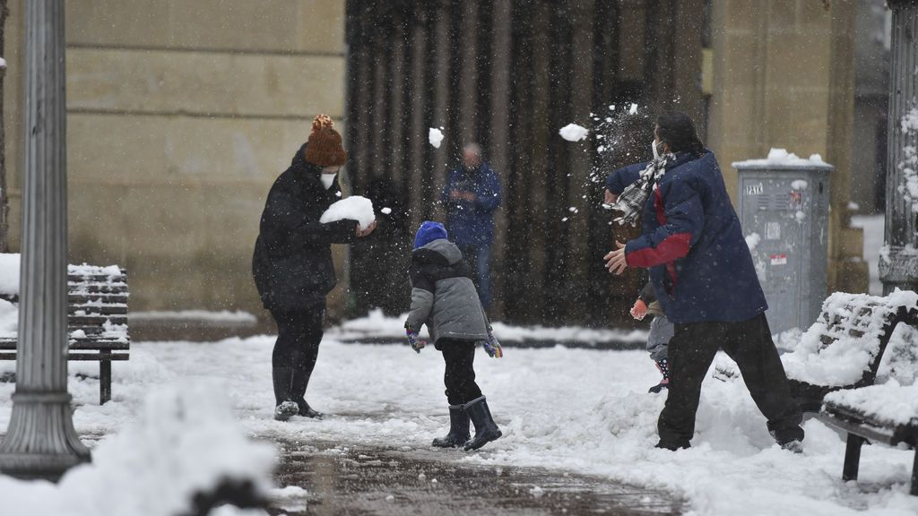Aragón cierra colegios, institutos y universidades el lunes y el martes