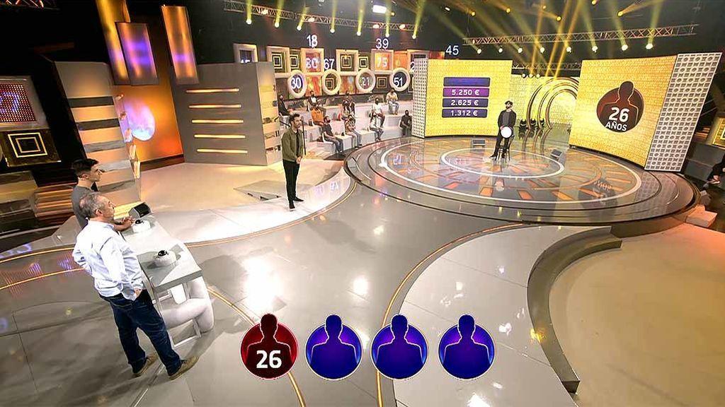 Figo despista a los concursantes: pierden 10.000 euros en la ronda final