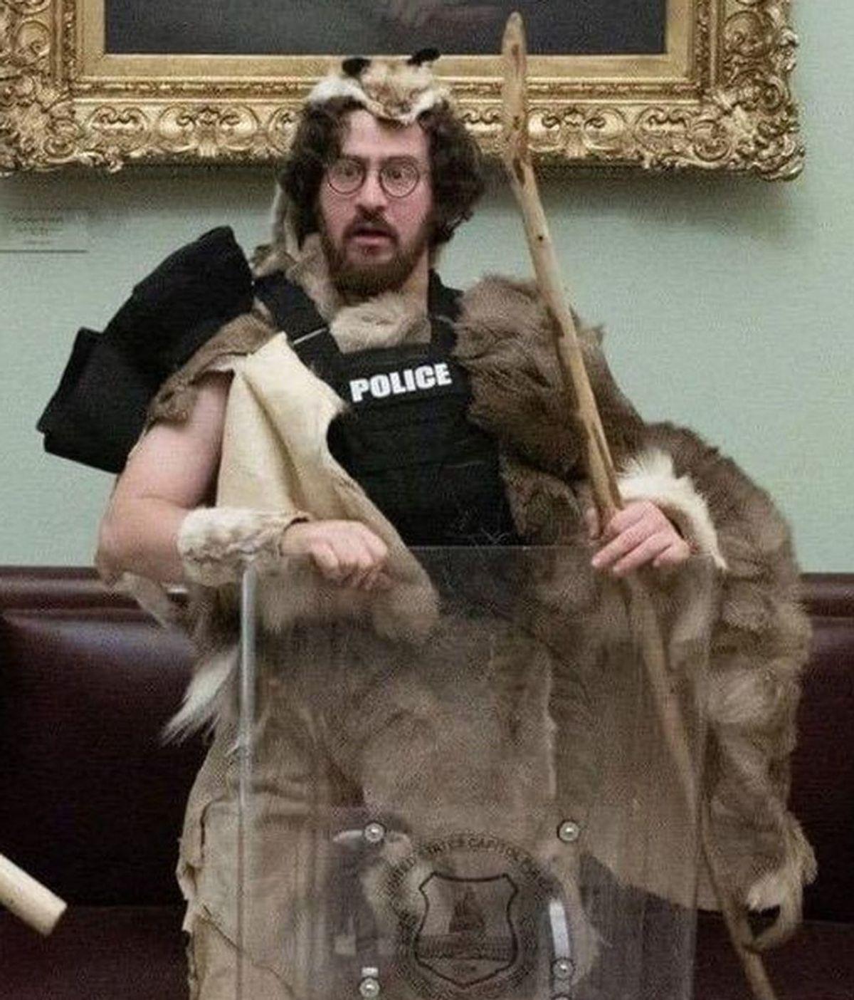 Detienen a Aaron Mostofsky, hijo de un juez de Brooklyn que asaltó el Capitolio