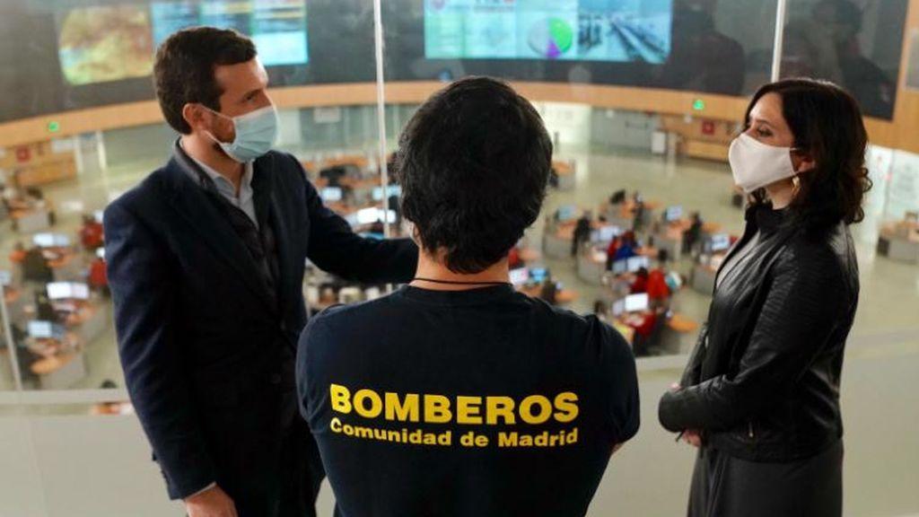 Casado aparece junto a Ayuso para rebajar la bronca política pero seguirá reclamando zona catastrófica para Madrid