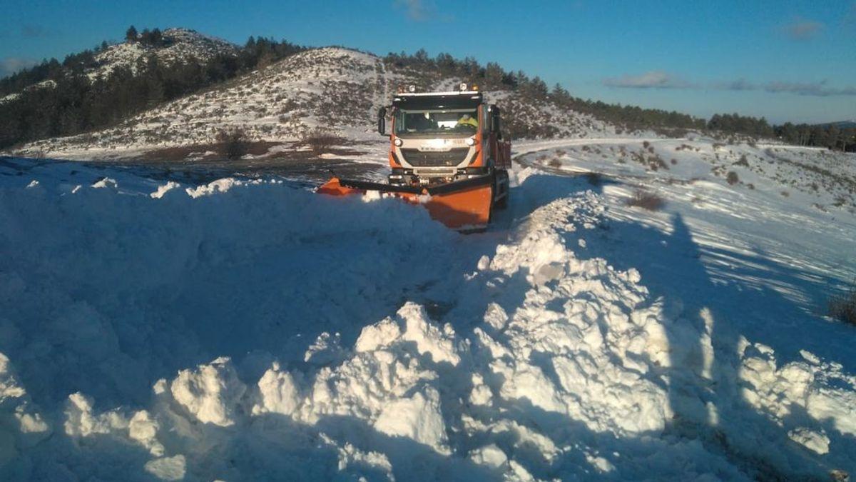 ¿Cómo ayuda la nieve que ha caído a mantener el frío en superficie?
