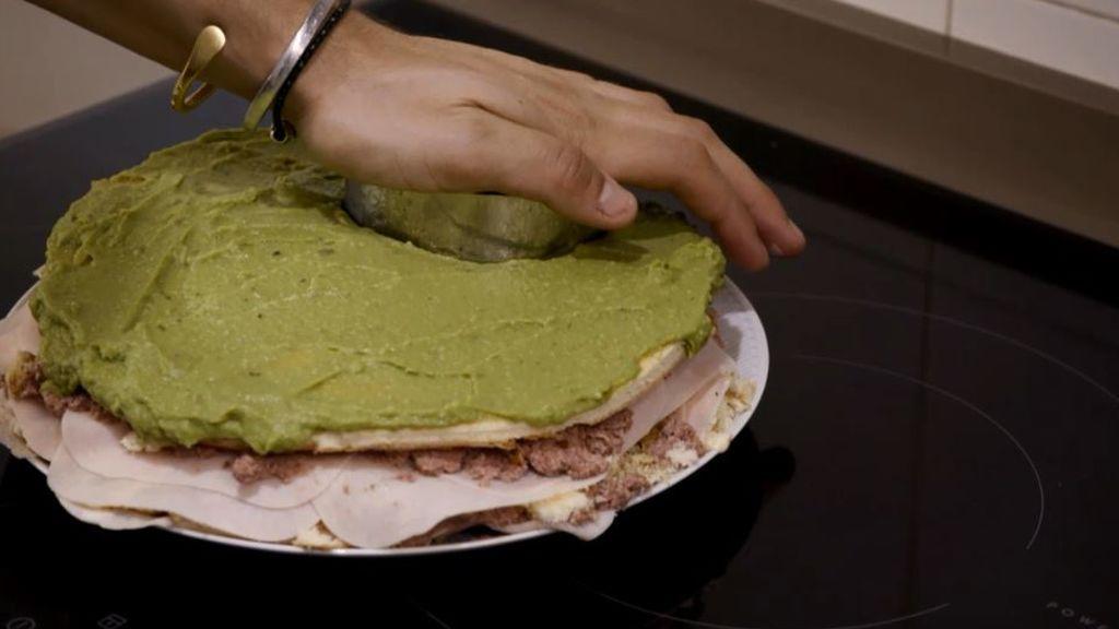 Avilés fracasa con su 'bomba' de sabor y color: ninguno de sus invitados se atreve a comerlo