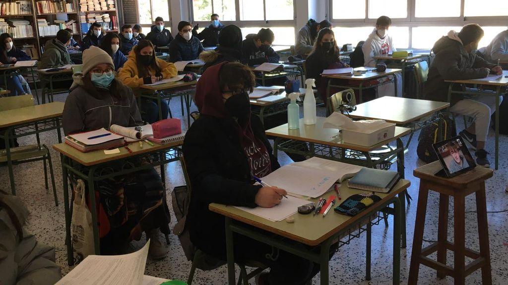 Alumnos abrigados instituto Alcoi