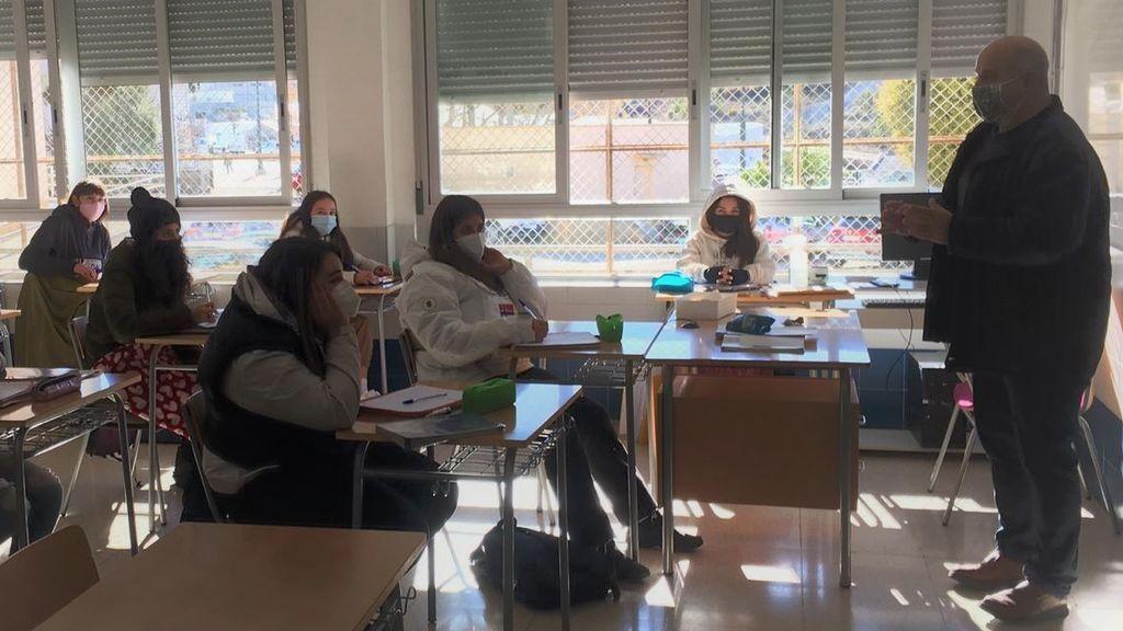 """Toni González, director de instituto: """"Hace mucho frío en clase, pero mejor coger un catarro que el coronavirus"""""""