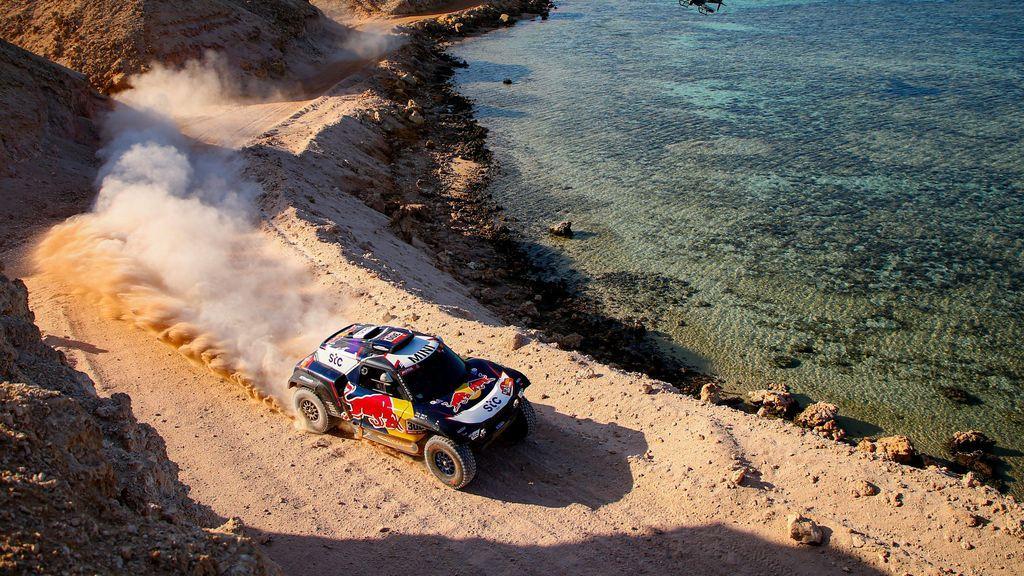 Los problemas técnicos acaban con las opciones de Carlos Sainz en el Dakar