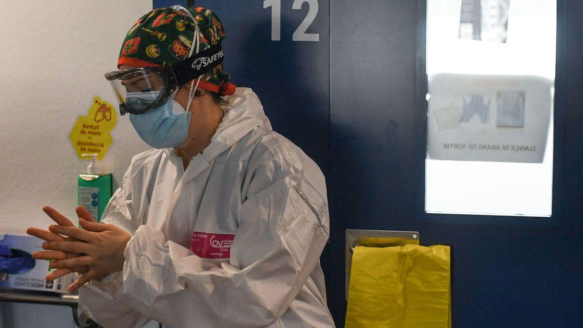 Casi la mitad de los sanitarios presenta un riesgo de trastorno mental tras la primera ola de coronavirus