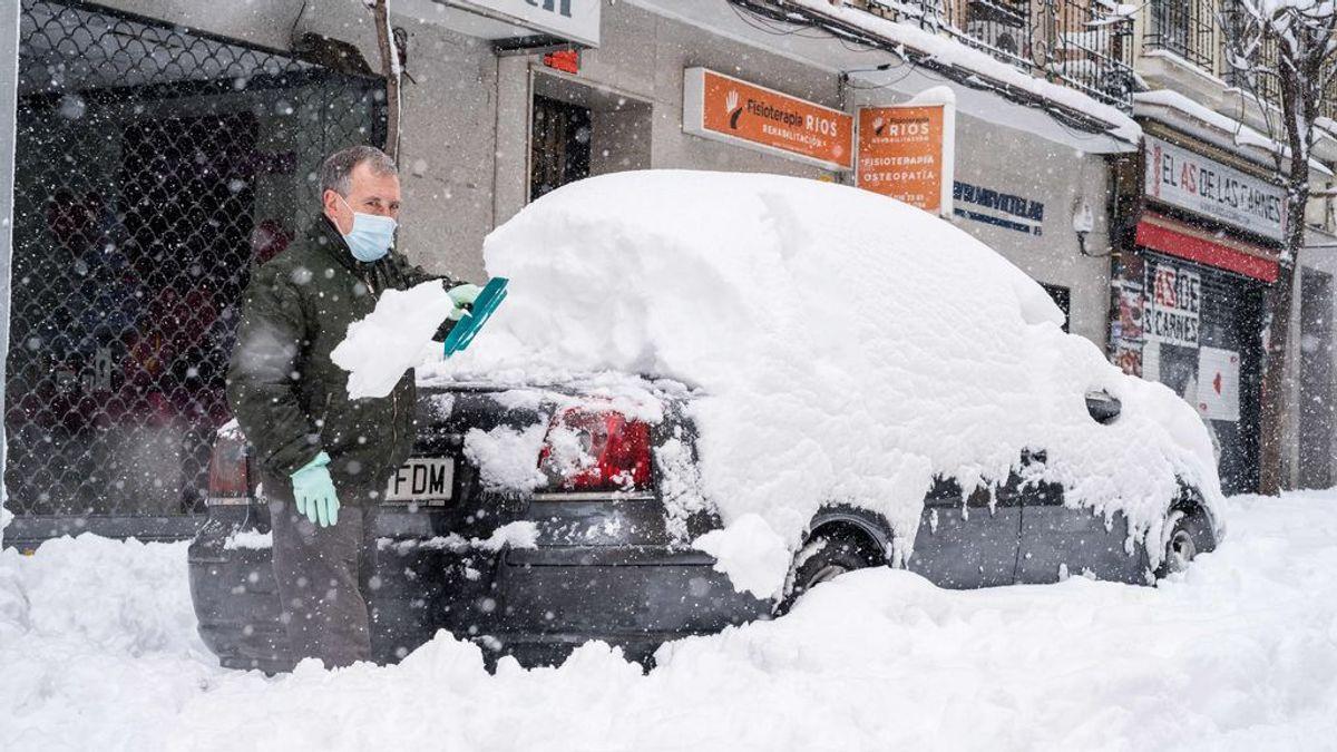 ¿Tuviste que dejar tu coche en la carretera por la nevada? Te lo recogen de manera gratuita