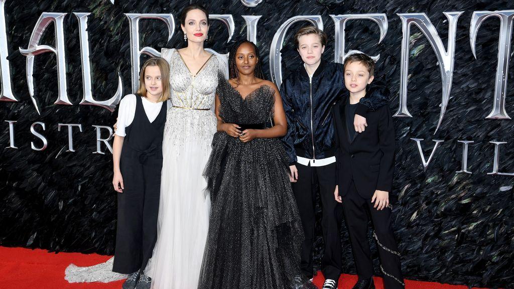 Los hijos de Angelina Jolie apoyando a su madre en la premiere de Maléfica