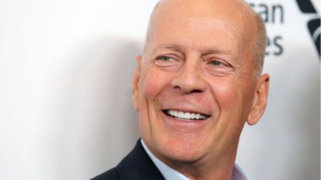 """Bruce Willis  pide perdón por no llevar mascarilla dentro de una farmacia: """"Fue un error de juicio"""""""