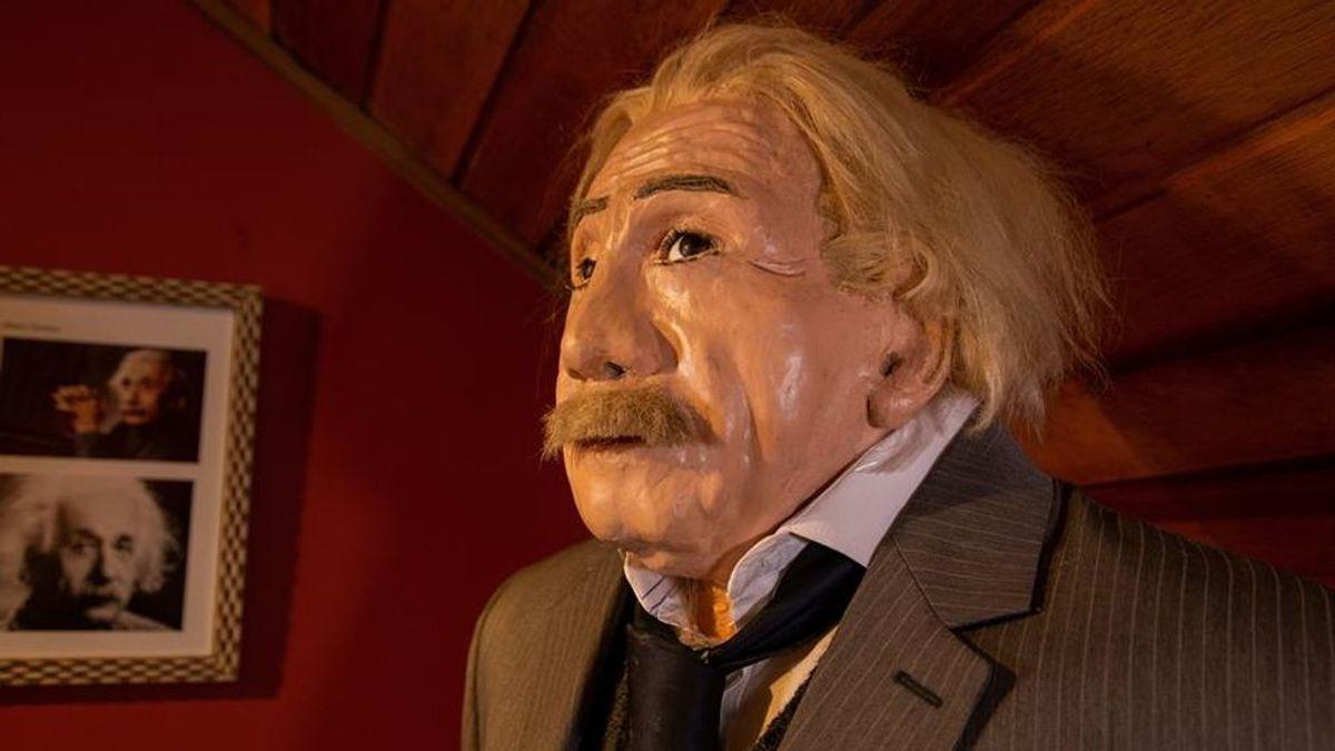 Einstein en el museo de cera brasileño
