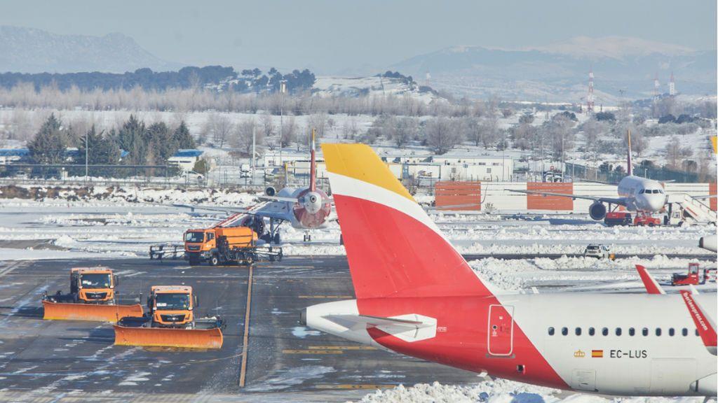 El aeropuerto de Barajas se recupera poco a poco pero no aceptará llegadas con normalidad hasta el jueves