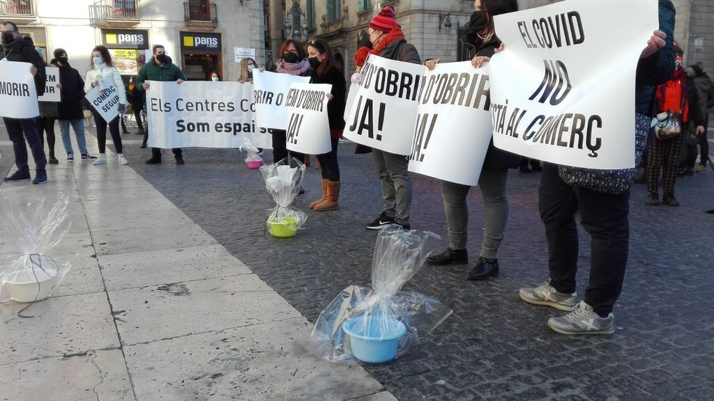 La Generalitat dará 2.500 euros a los comercios que hayan cerrado este enero por las nuevas restricciones