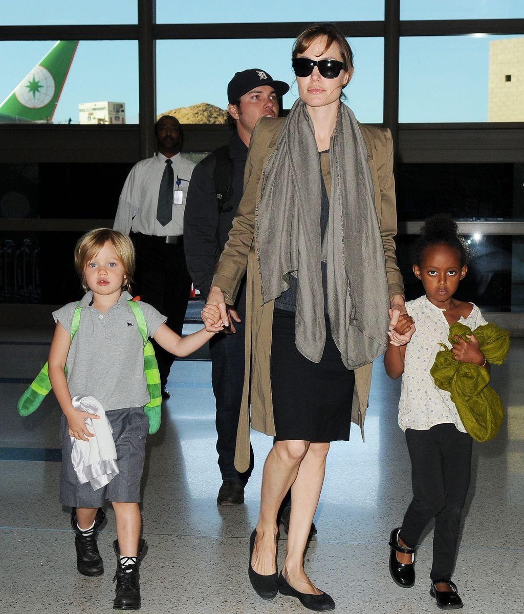 Angelina Jolie junto a Zahara y Shiloh