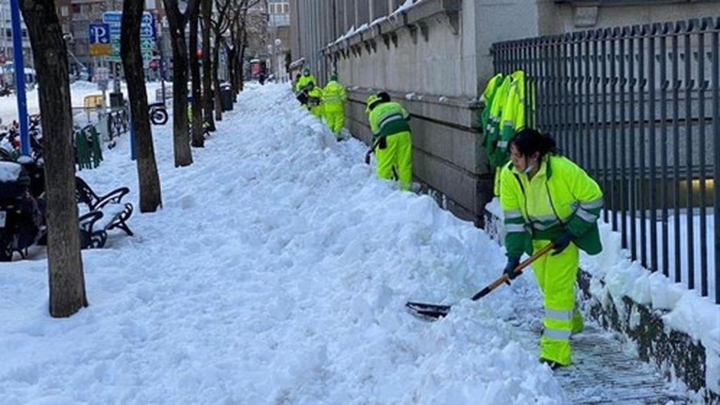 """Cinco días después de la nevada se sigue lejos de la normalidad: """"Ha sido una emergencia dentro de una pandemia"""""""