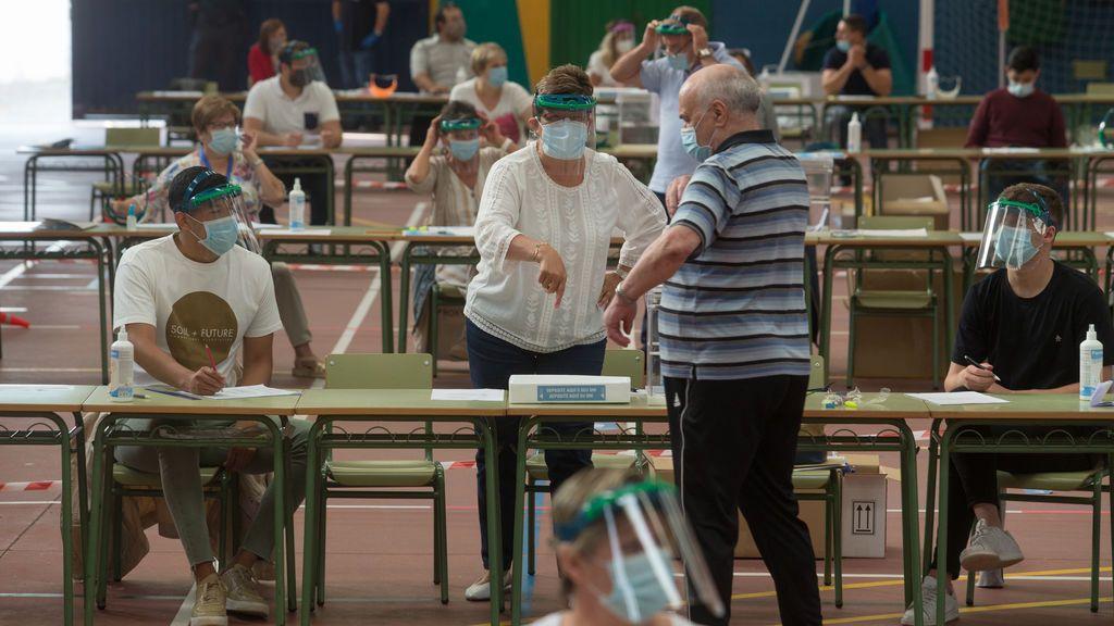 Hasta 216.000 electores estarán infectados o serán contactos estrechos el 14-F