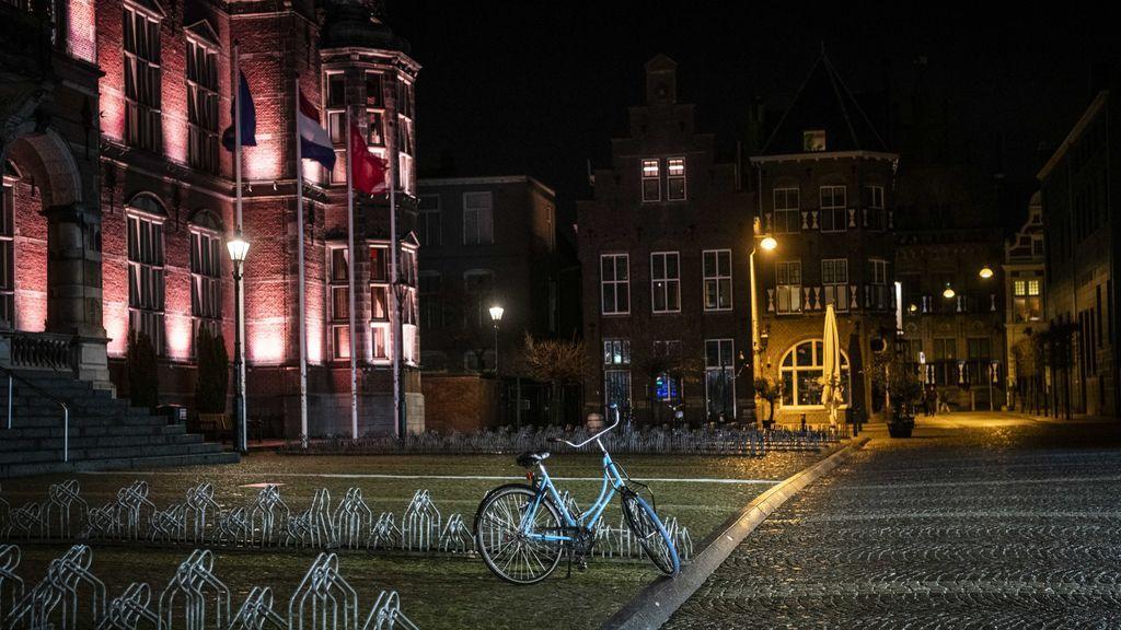 Las duras restricciones de Países bajos: se confina hasta el 9 de febrero y cierra colegios y hostelería