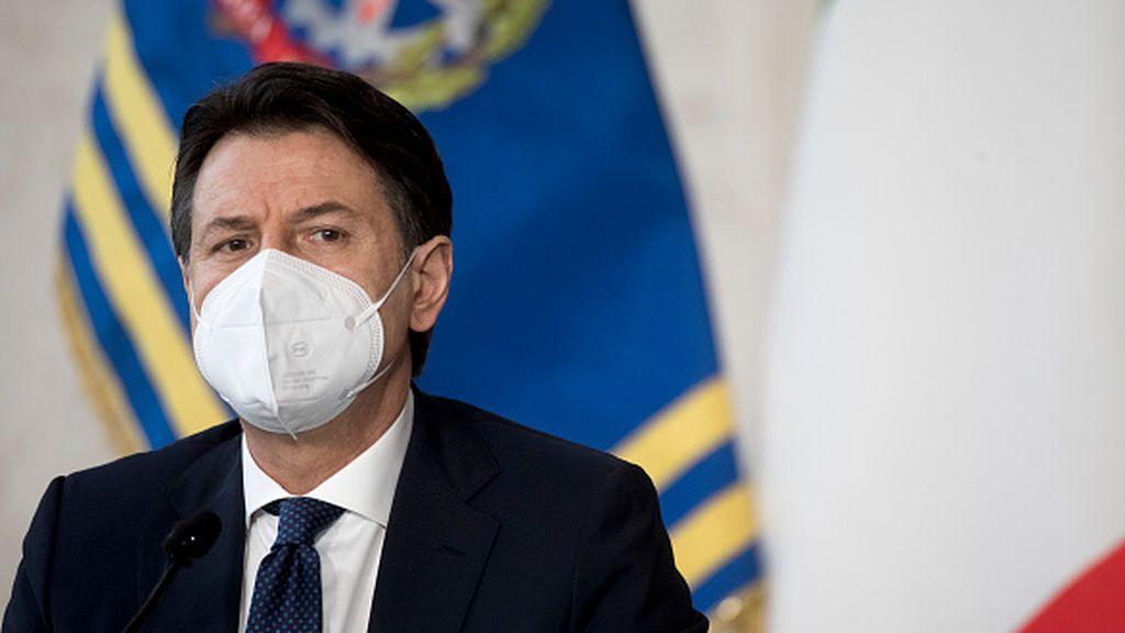 Conte trata de resolver la crisis de Gobierno sin tener que dimitir