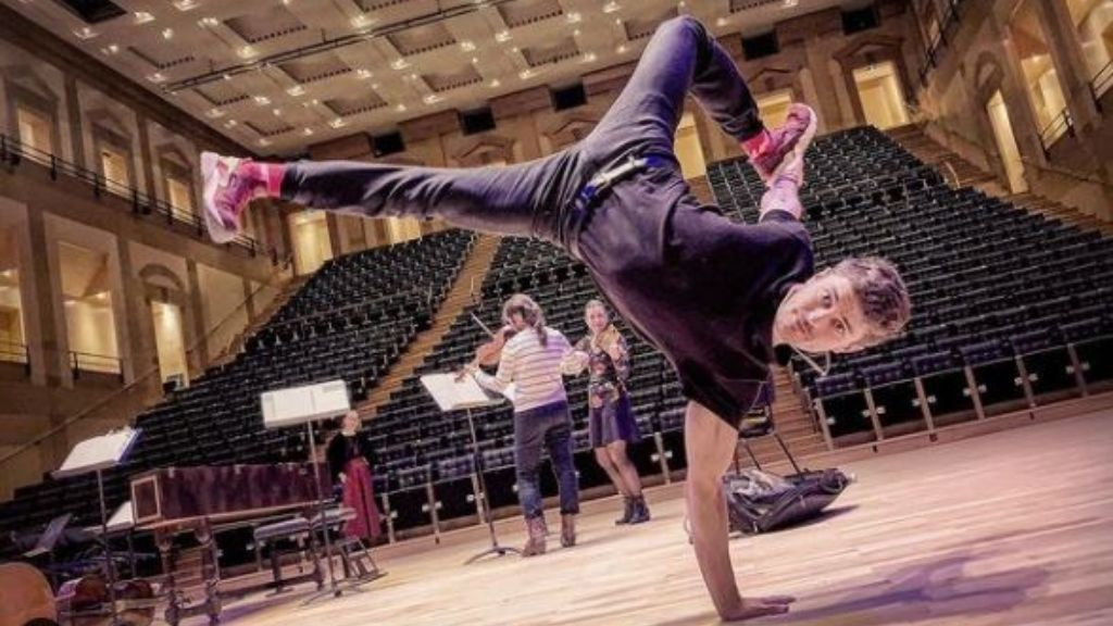 Jakub Józef Orliński, el cantante de ópera de 30 años que domina el break dance y que lo peta en Instagram