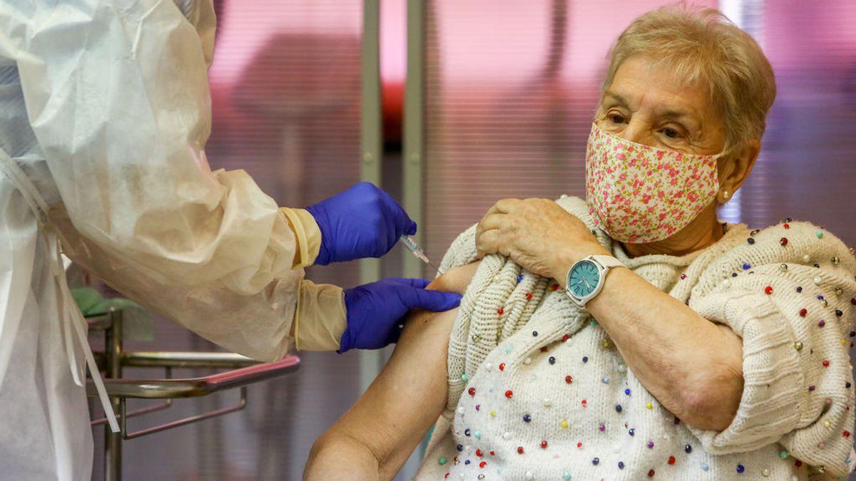 La mayoría de las residencias privadas de Madrid no ha recibido la vacuna ni información sobre cuándo comenzarán las vacunaciones