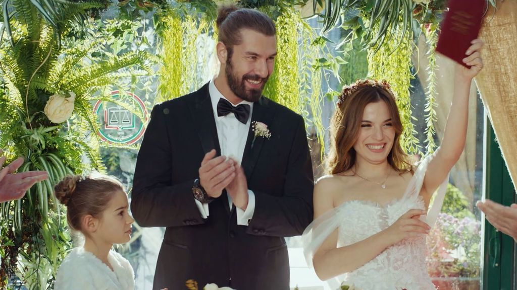 Nejat y Suna se casan