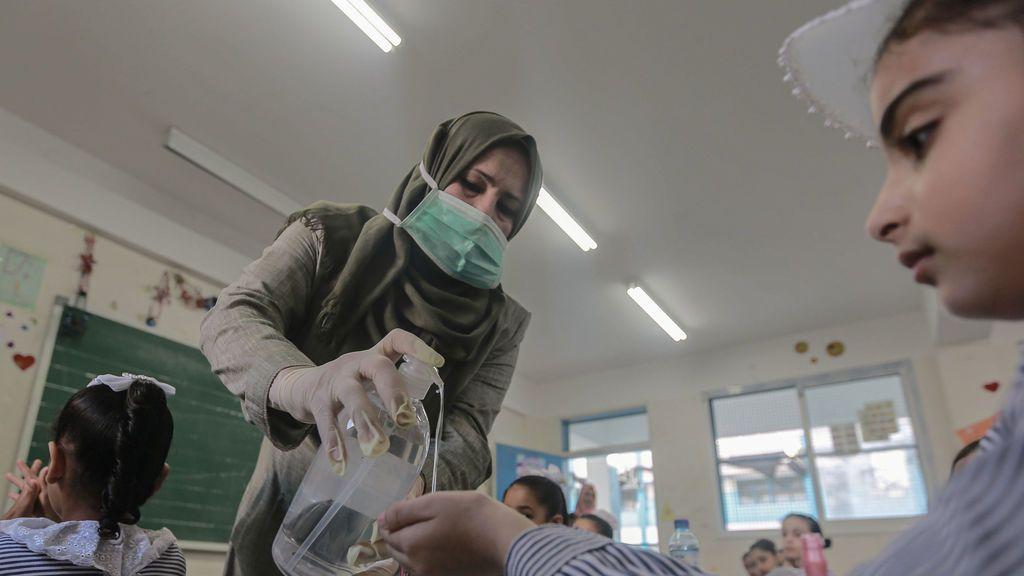 ¿Por qué los palestinos aún no tienen la vacuna cuando los israelíes sí?