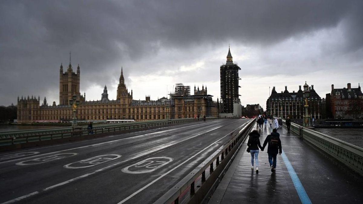 Reino Unido notifica en un día más de 41.000 casos y 1.295 fallecidos por covid19