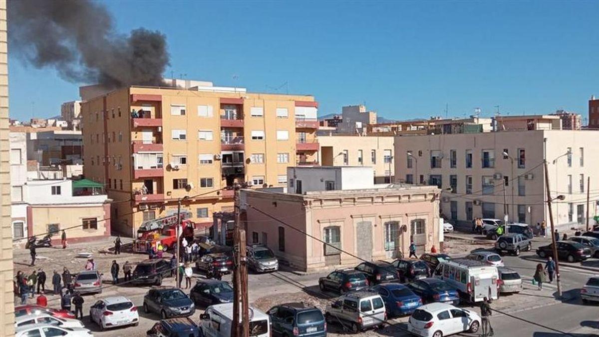 Mueren una madre y su hijo discapacitado en el incendio de una vivienda en Almería