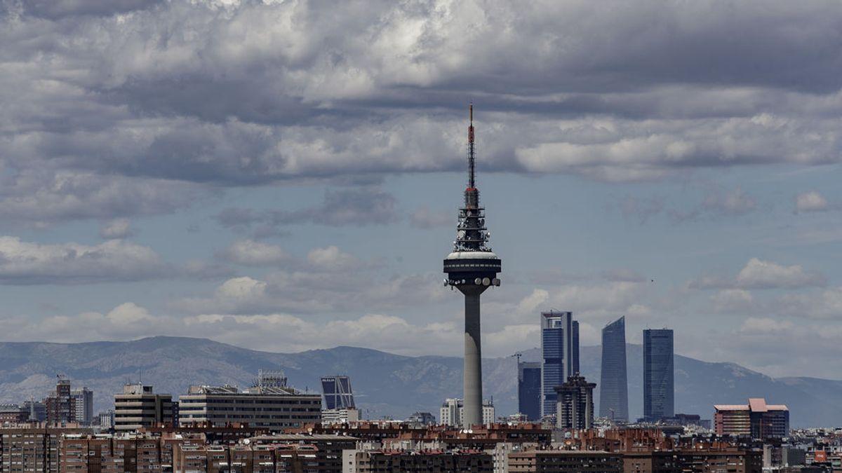 Madrid activa el protocolo anticontaminación y limita a 70 km/h la velocidad en M30 y accesos