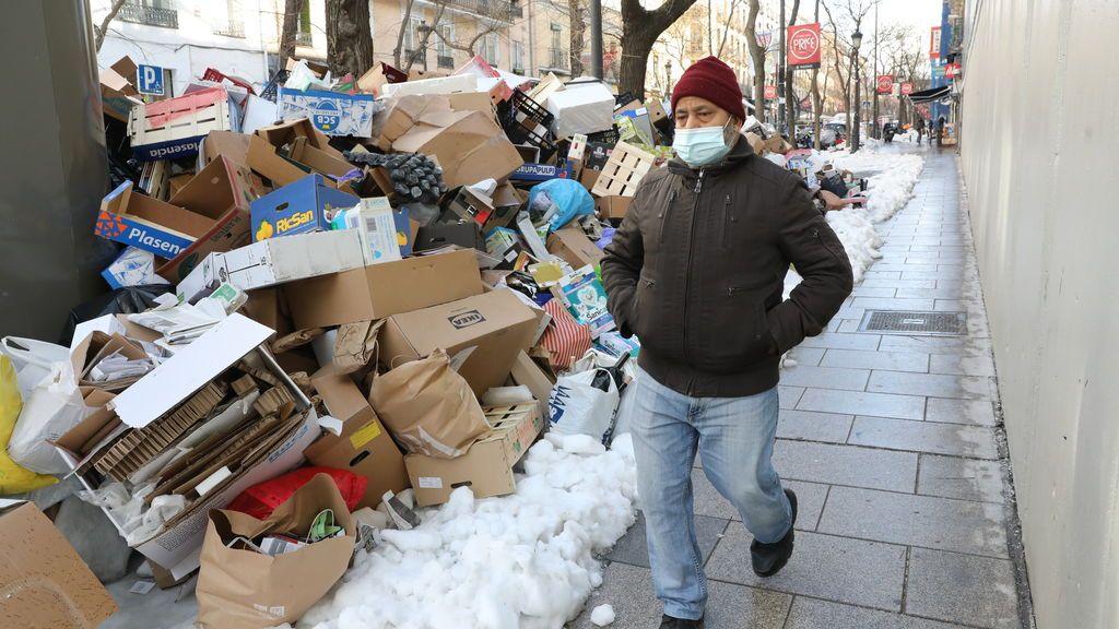 Almeida dice que el martes estará recogida toda la basura acumulada en calles
