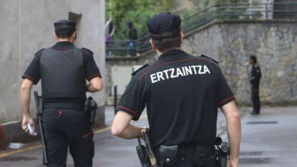 Hallan el esqueleto de un hombre de avanzada edad con disparos de escopeta en Vizcaya