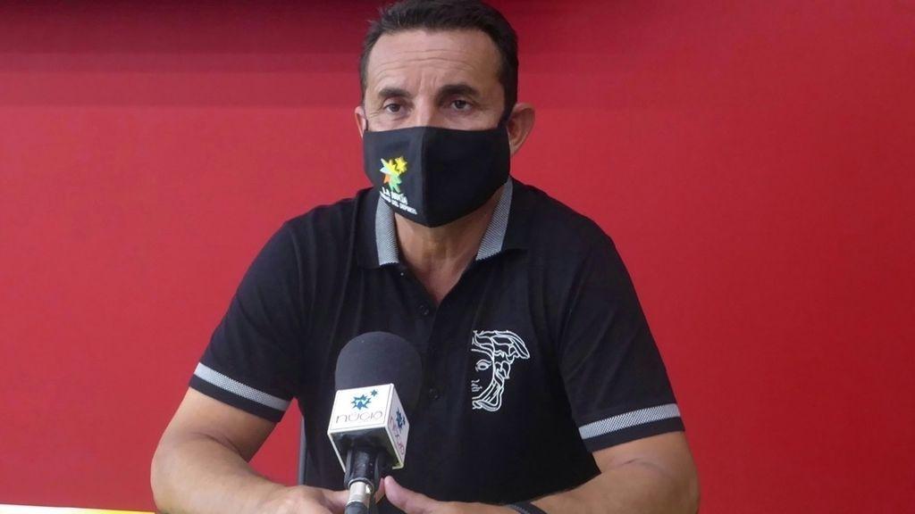 """El alcalde de La Nucía, en Alicante, y su concejal de Sanidad se vacunan por """"motivos sanitarios"""""""