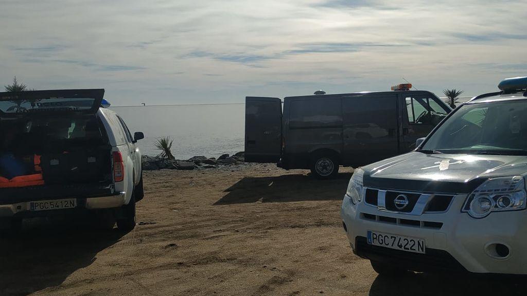 Hallan los cuerpos de una mujer y dos hombres que saltaron de una patera antes de alcanzar la costa de Almería