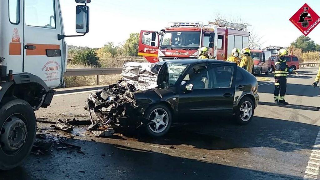 EuropaPress_3522533_fallece_hombre_58_anos_accidente_coche_camion_rojales