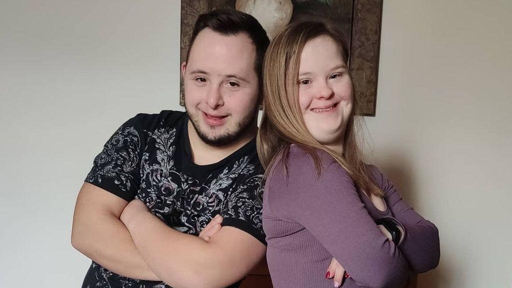 Celia y Jose son novios, tienen síndrome de Down, y son tendencia en redes por sus bailes y buen humor