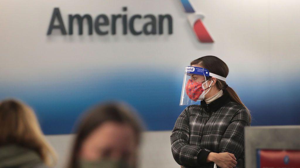 Biden mantendrá las restricciones de vuelos internacionales