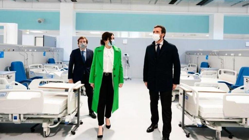 La presidenta de Madrid, Isabel Díaz Ayuso junto al alcalde José Luis Martínez Almeida y el líder del PP, Pablo Casado
