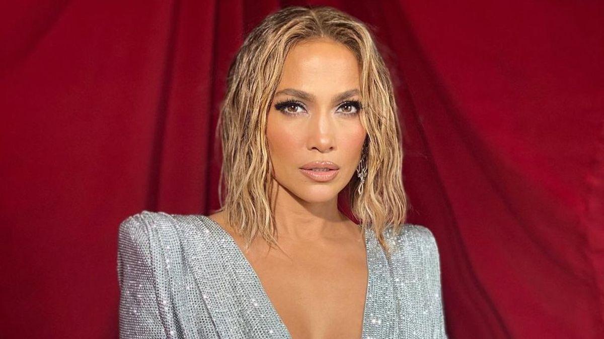 """Jennifer Lopez responde a una seguidora que la acusa de tener mucho botox: """"No pierdas tu tiempo tratando de derribar a otros"""""""
