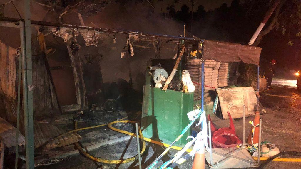 Hallan dos cadáveres calcinados en el incendio de una casa hecha de chapa en Málaga