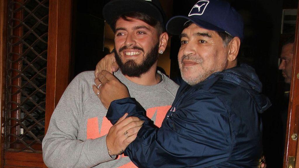 """El hijo de Maradona no se perdona no haber estado en el funeral de su padre y luchará por """"descubrir la verdad"""""""
