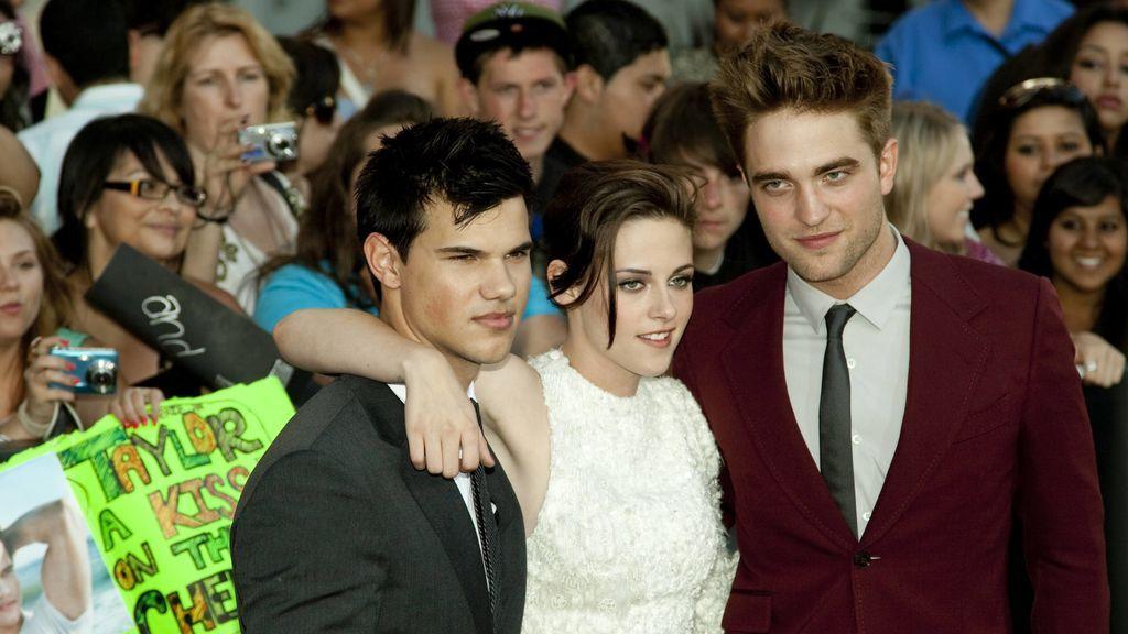 Robert Pattinson y Kristen Stewart se convirtieron en una de las parejas más mediáticas.