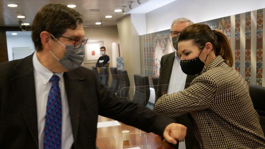 Ciudadanos, socio del PP en Murcia,  pide la dimisión del consejero de Salud por vacunarse