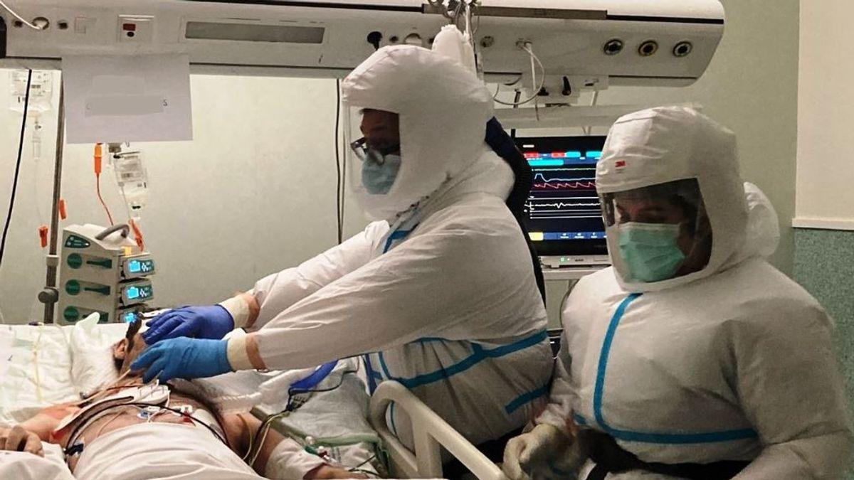 """Luis García, intensivista: """"Dos pacientes de 50 años han muerto hoy por aguantar en casa sin venir al hospital"""""""