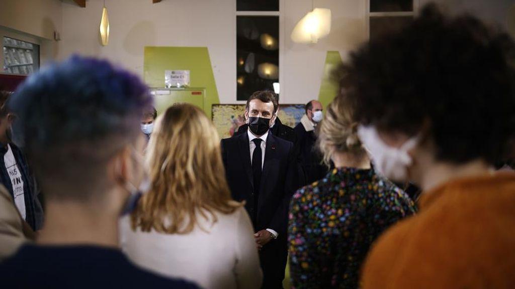 """Macron respalda a los estudiantes """"tienen los mismos derechos que un trabajador"""""""