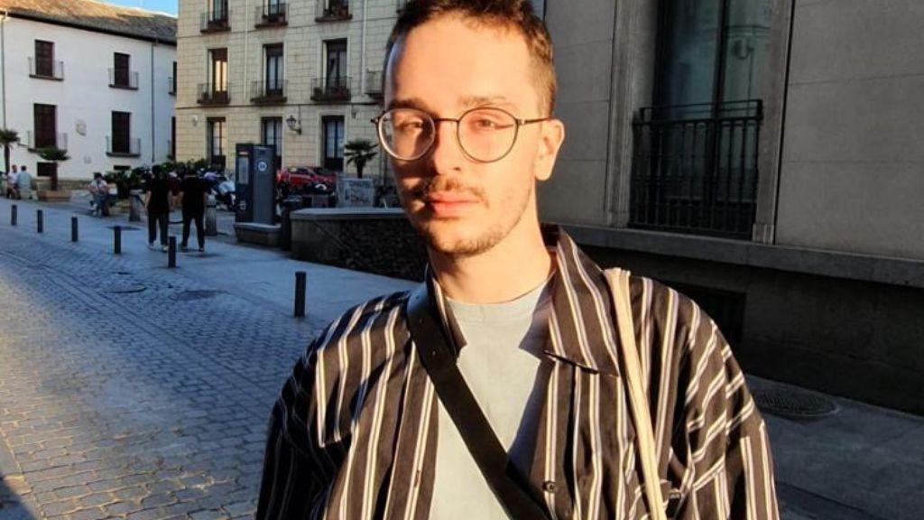 """Daniel Kurek, es polaco y gay: """"Cuando estoy allí vuelvo al armario, es triste pero es necesario"""